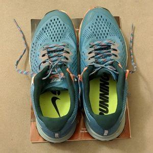 LIKE NEW Nike Air Zoom Terra Kiger 4 Trail shoes